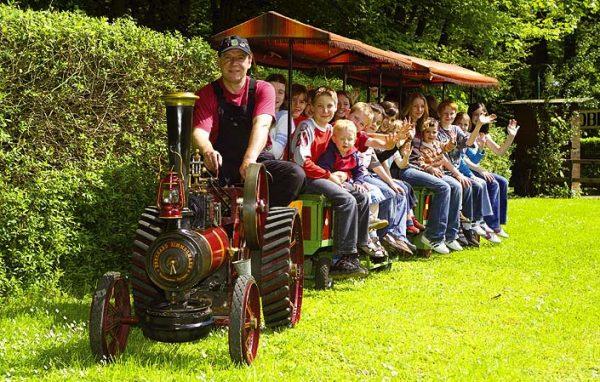 Zimmermann Dampftraktor Sitzwagen